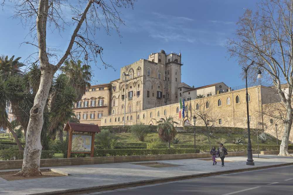 Palermo capitale del mediterraneo tra arte e street food for Planimetrie del palazzo mediterraneo