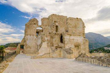 Fiumefreddo Bruzio: il borgo e il Castello della Valle