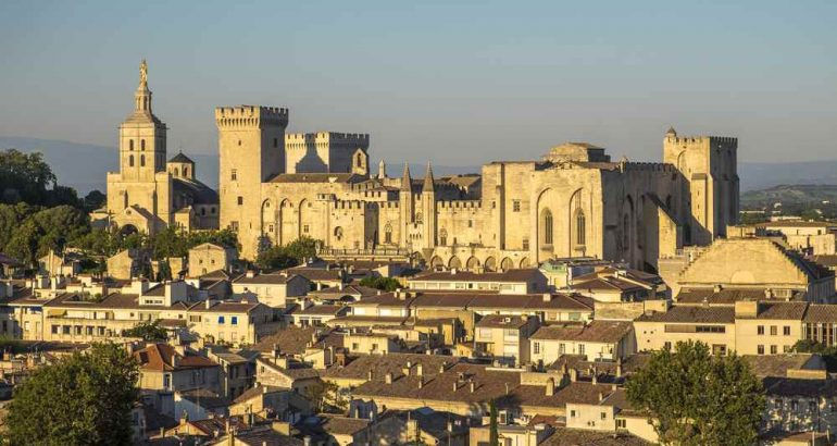 panorama Avignone
