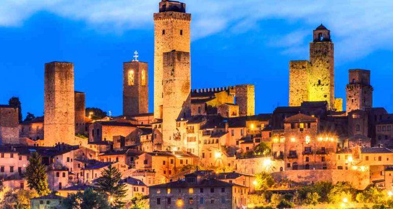 San Gimignano panorama notturno