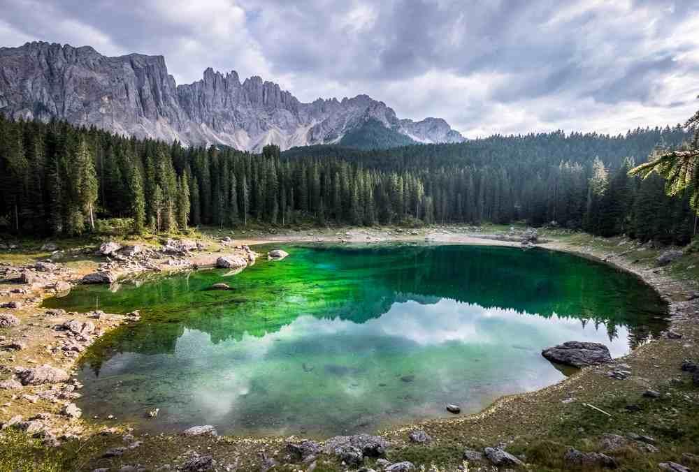 lago di Carezza vicino Bolzano