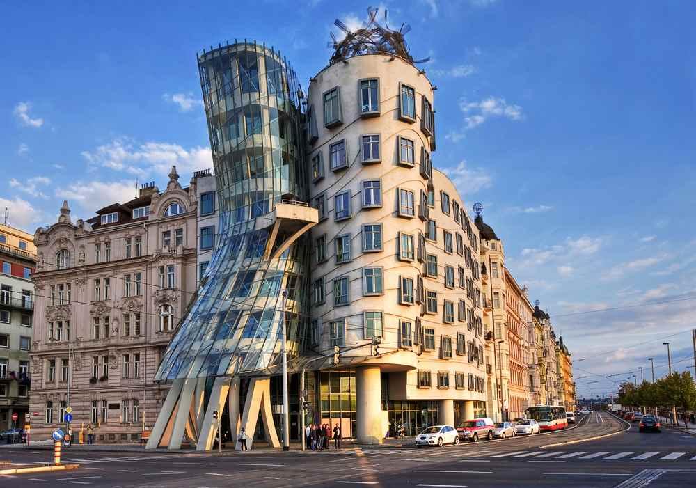Praga casa danzante