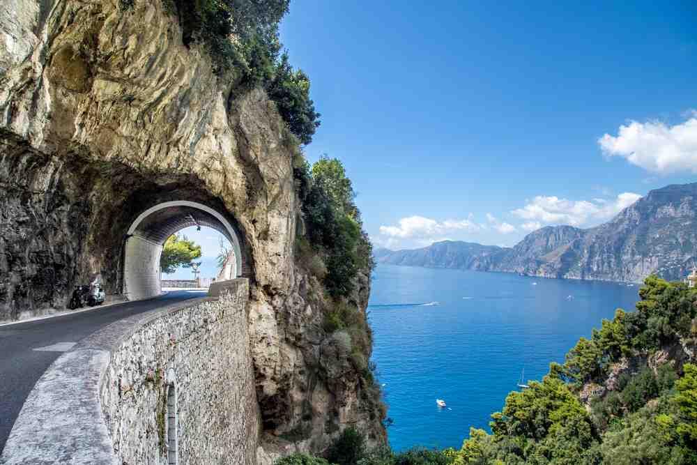 strada rurale ad Amalfi