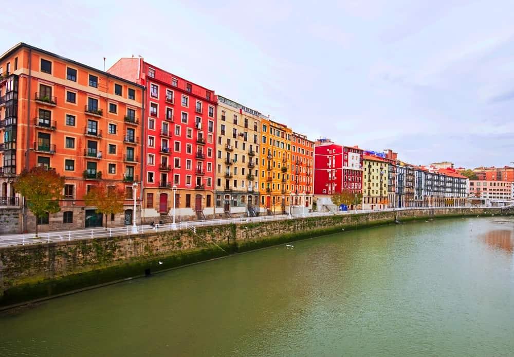Bilbao fiume