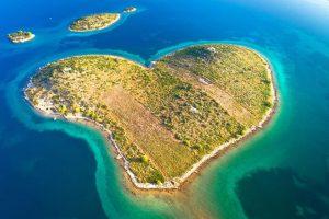Galesnjak isola a forma di cuore