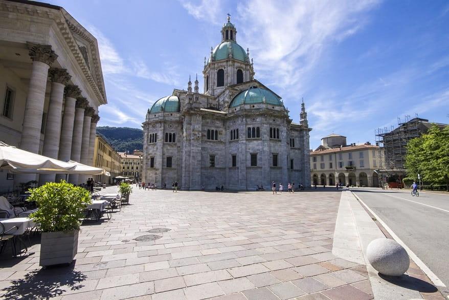 Como centro piazza chiesa