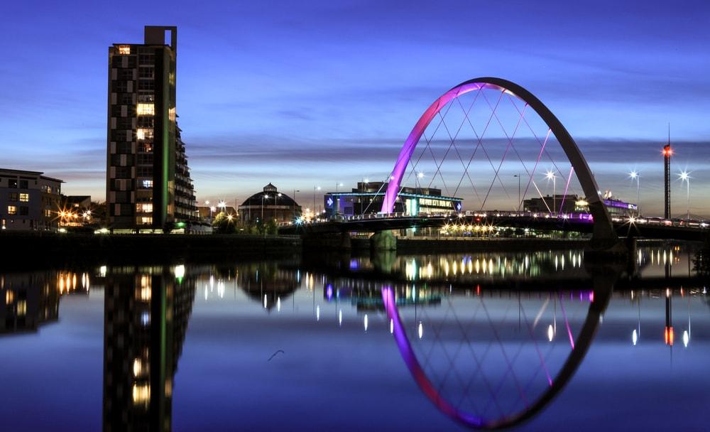 Glasgow di notte