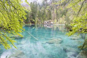 Lago Blausee cristallino