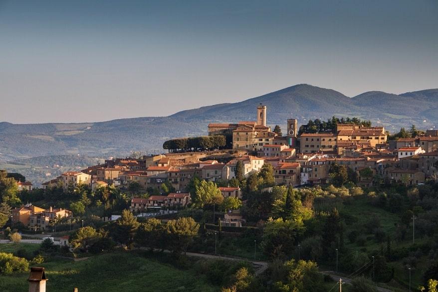 Montescudaio borgo