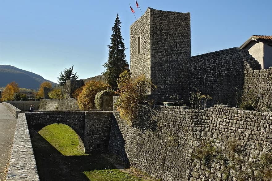 Venzone borgo